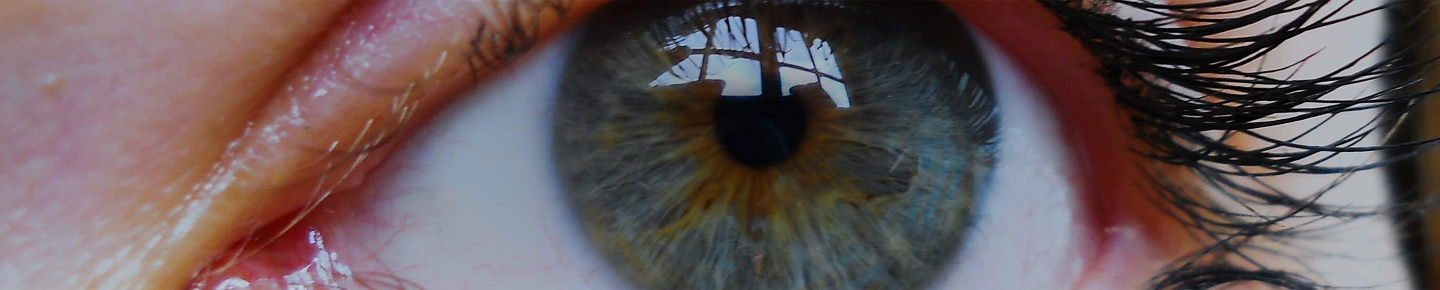 Kék színű női szem közeli felvétele